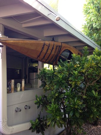 The Hula Breeze: Outdoor shower, mongoose free! ��