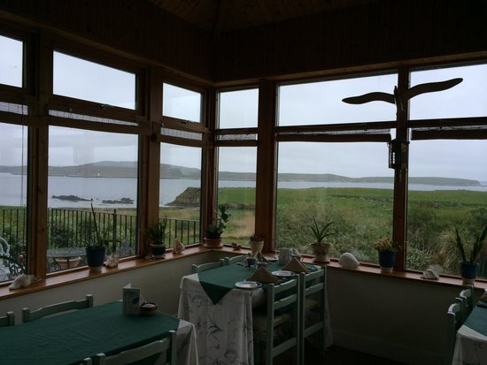 Dolphin Beach House: Breakfast View