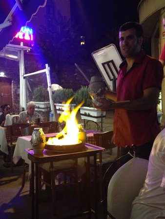Aloran Cafe & Restaurant : Testi kebab was the best thing I've eaten in Istanbul and service was even better! Loved this pl
