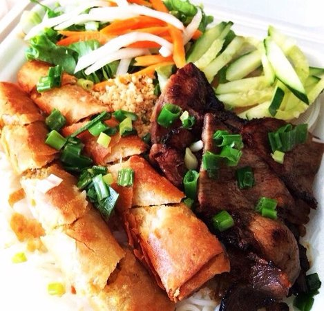 Pho Minh Thu: Thin pork sirloin & shredded pork with vegetables over vermicelli noodles.