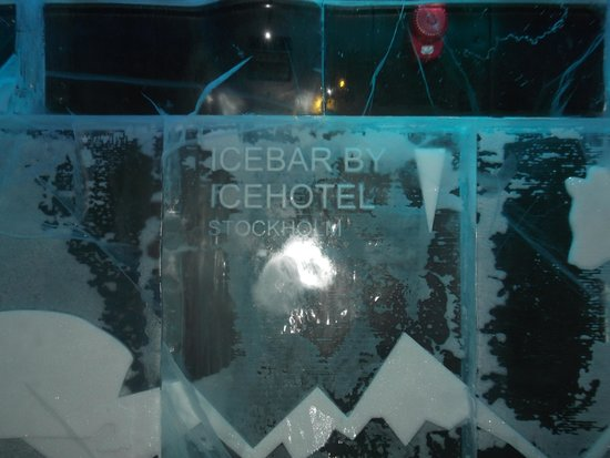 ICEBAR by ICEHOTEL Stockholm : ice