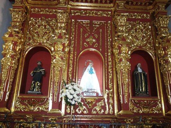 Convento La Popa de la Galera: Altar con la Virgen de la Candelaria