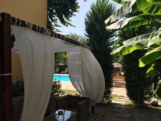 Han Boutique Hotel: Han Hotel Pool and garden ..