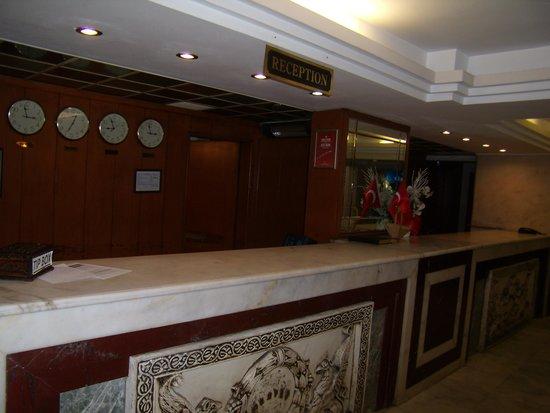 Surtel Hotel Kusadasi : Reception