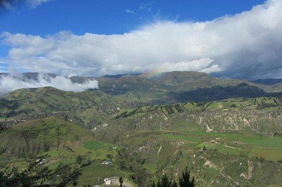 Black Sheep Inn Ecolodge : View from the mountain Ridge Walk, the one that surrounds the Black Sheep Inn