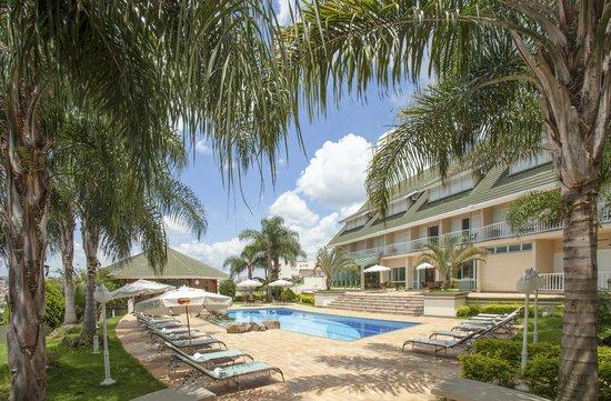 Hotel Vila Verde Atibaia : Vista piscina