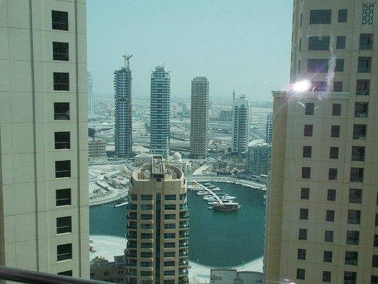 JA Ocean View Hotel: View on  Dubai Marina from hotel corridor.