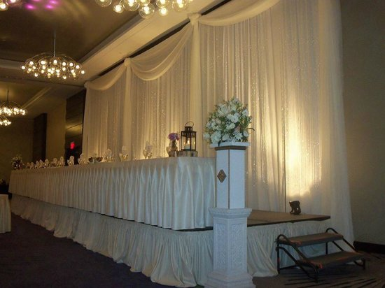 Hyatt Regency Rochester : Banquet room set up for reception