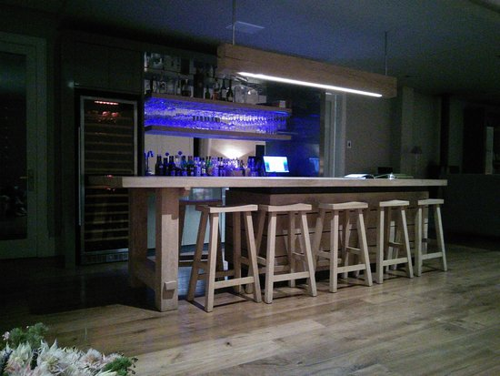 Bar picture of angala boutique hotel and guest house for Boutique hotel 06