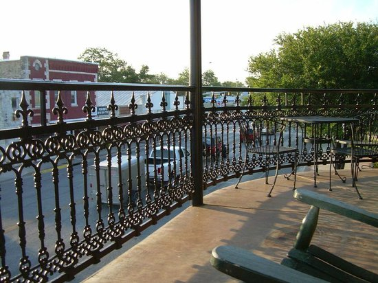 Crescent Quarters Inn: N'Awlins Ste. Balcony Street View