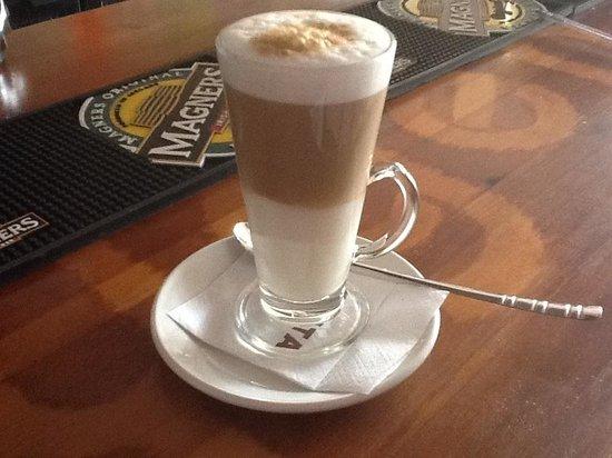 Oxygen Cafe bar : Latte Coffee - €2'50