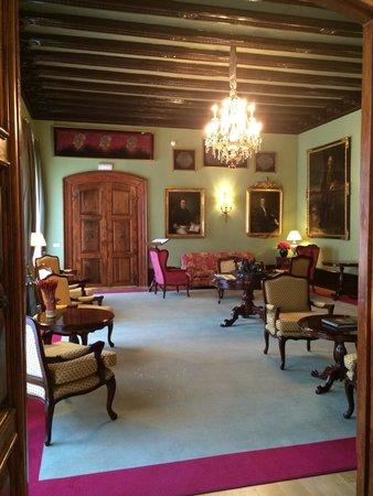 Hotel Palacio Guendulain: Le salon d'époque, magnifique !
