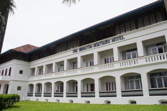 Brunton Boatyard: fachada del hotel