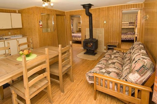 Marina picture of rabaska lodge ferme neuve tripadvisor for Interieur chalet
