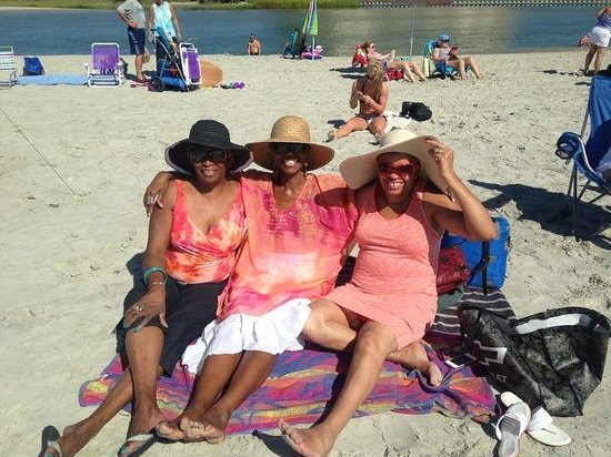 Ocean Creek Resort: Hanging out with the Diva ladies