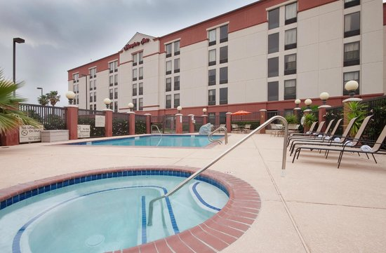 Hampton Inn Houston Hobby Airport: Outdoor pool