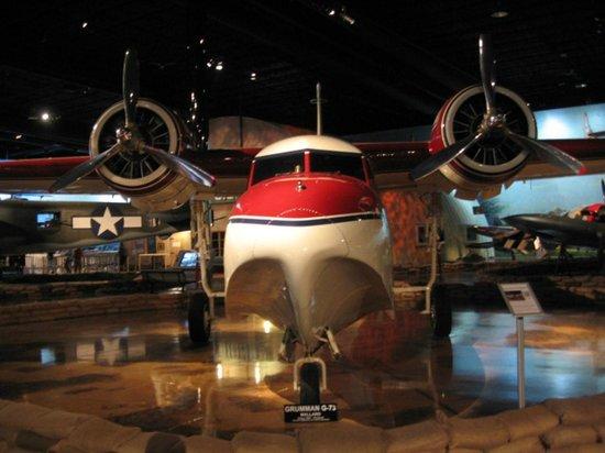Air Zoo: Prop plane