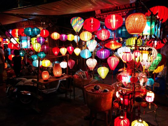 Hoi An Ancient Town: Lantern stall