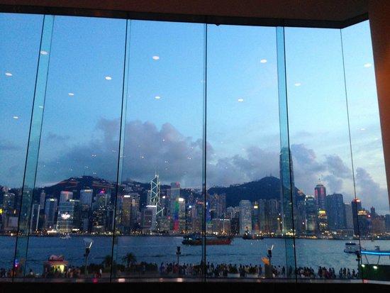 InterContinental Hong Kong: View of Hong Kong Skyline from Lobby Bar