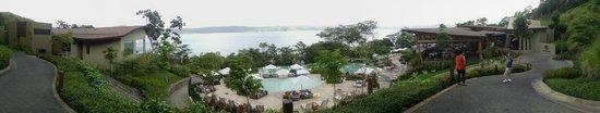 Andaz Peninsula Papagayo Resort: Family Pool area