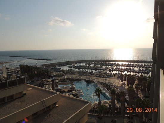 Carlton Tel Aviv: The View from 1004 room.