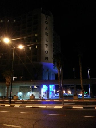Carlton Tel Aviv: The Hotel at Night.