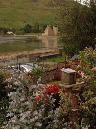 Lochranza Youth Hostel: Castle