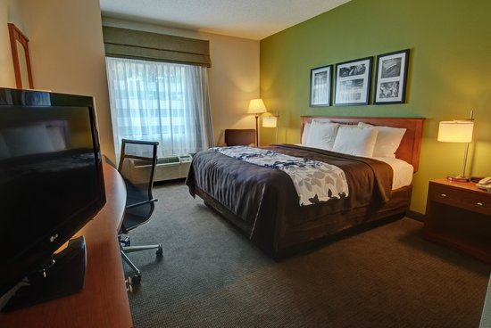 Sleep Inn & Suites: Non-smoking King, Accessible room