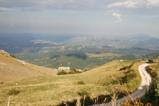 Borgo Belvederi: Le Marche Views