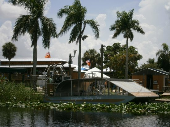 Everglades Holiday Park: airboat