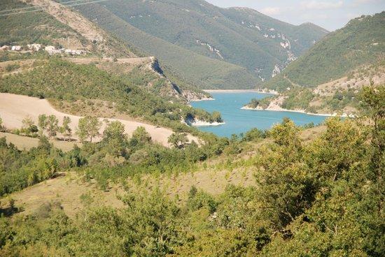 Borgo Belvederi: Lago Di Fiastra