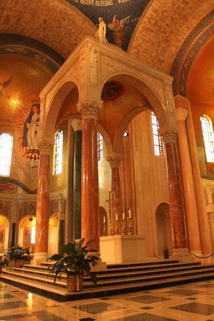 Basilica of the National Shrine of the Immaculate Conception: Main Altar