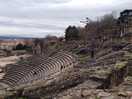 Théâtres Romains de Fourvière : Arquibancada para 10.000 espectadores