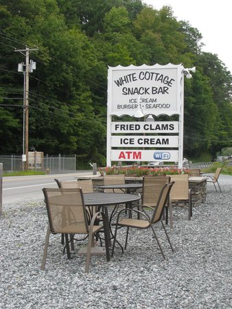 White Cottage Snack Bar: Sign out front