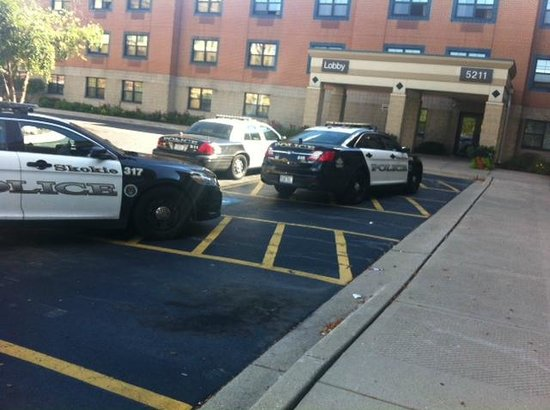 Extended Stay America - Chicago - Skokie: Questionable Safety of guests....