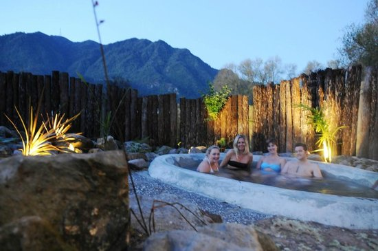 Te Aroha Holiday Park and Backpackers: mineral water pool