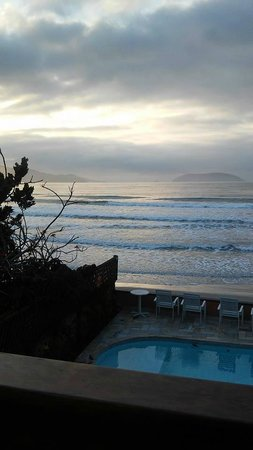 Pousada Casa na Praia: Assim nasce o dia!