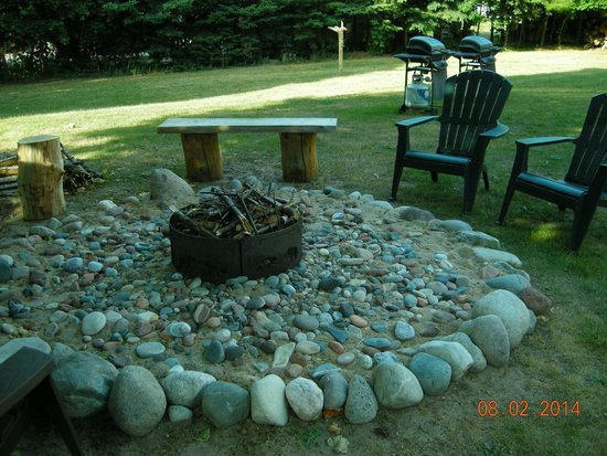 The Agate Cross Bed & Breakfast, LLC: Fire pit