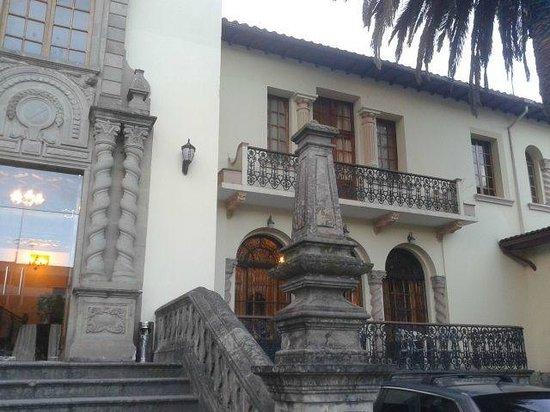 Hotel La Circasiana: Me encanta esa fachada