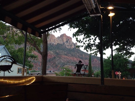 Oscar's Cafe : Great view of the national park from the patio