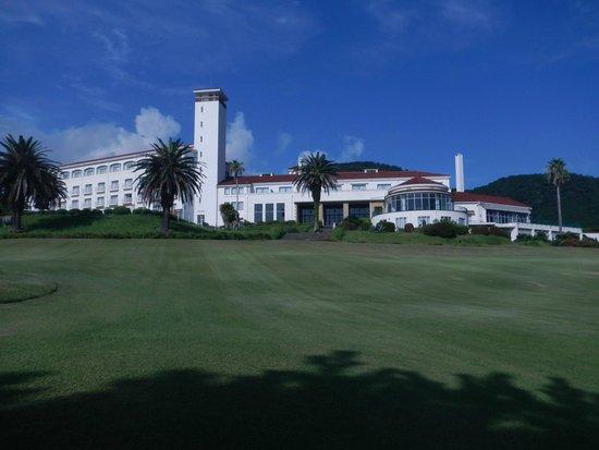 Resort Hotel Kawana : ホテルの庭から