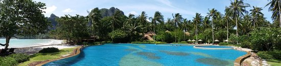 Rayavadee Resort : Infiniti Pool overlooking ocean