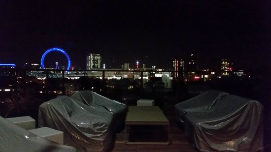 H10 London Waterloo: view from roof top bar
