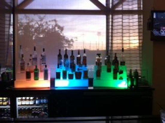 Hampton Inn & Suites Newark-Harrison-Riverwalk: The BAR!!!