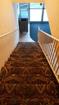 Clarion Inn Grand Junction: Two floors,  no elevator