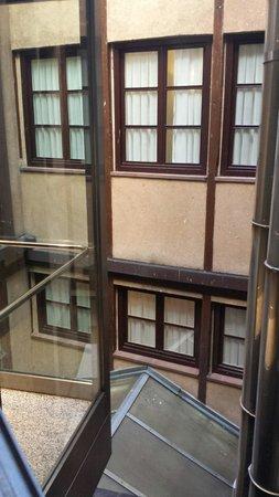 Infanta Isabel Hotel: vistas desde nuestra habitacion (horrible)