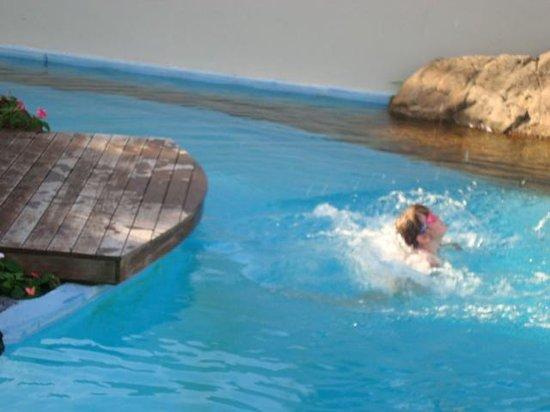 Paihia Pacific Resort Hotel : Splash!!!