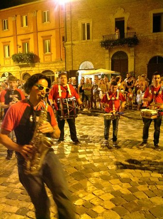 CiacciaBanda StreetBand - Sguerguenze Musicali Itineranti