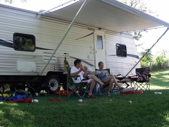 Vel Terra Ranch and Campground: RV Site - relaxing in the shade