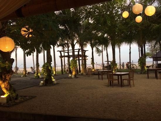 Paon Doeloe Restaurant : beautiful setting